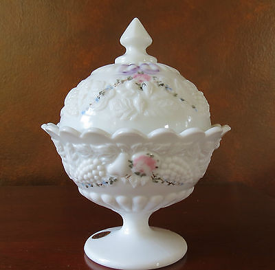 Westmoreland Milk Glass Della Robbia w/ Roses & Bows Covered Candy
