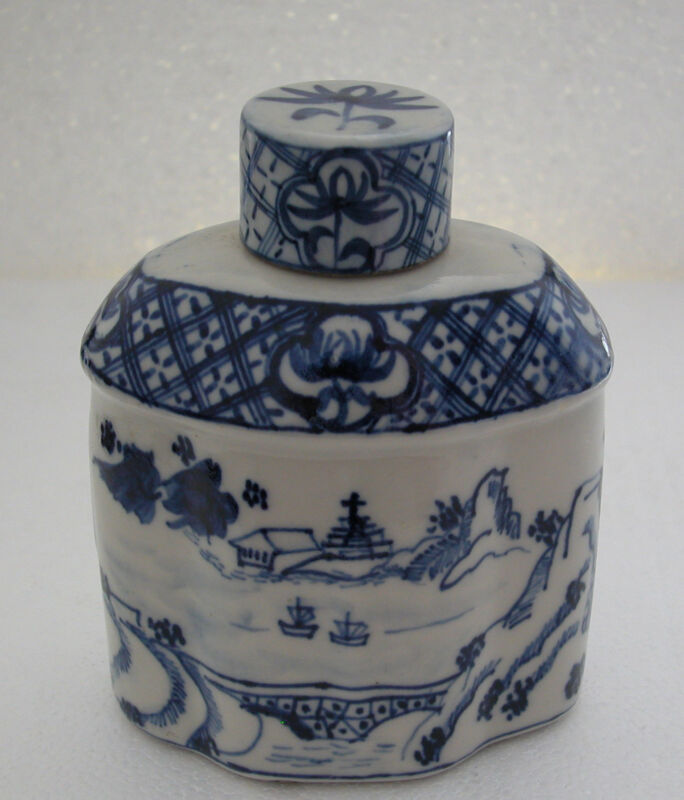 Antique Chinese Blue White Porcelain Tea Caddy