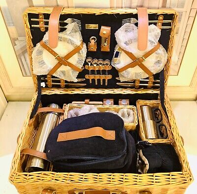 Picnic Time Windsor Picnic Basket with Service for Four Ceramic Plates -