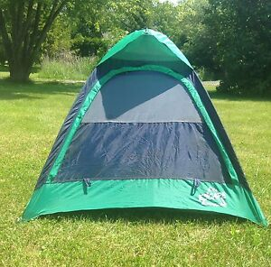 Escape 1 Adult or 2 kid tent (tailgating)