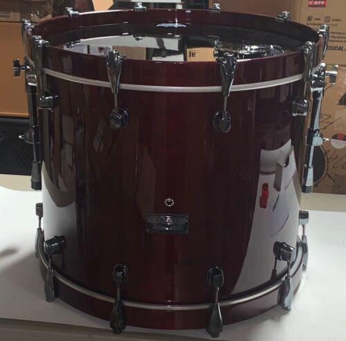 """Mapex Saturn Maple / Walnut 22"""" Bass Drum - Cherry"""