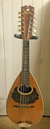 Larson Brothers Bruno Triple strung mandolin 100 1/4, orginal case