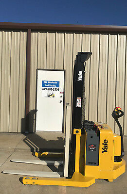 2003 Yale Walkie Stacker - Walk Behind Forklift - Straddle Lift Only 792 Hours