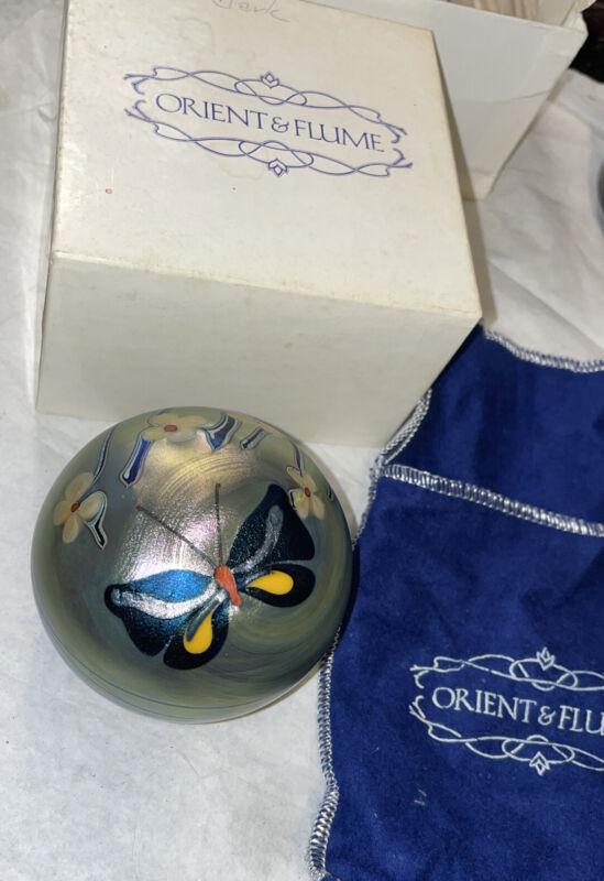 Beautiful 1976 Orient Flume Signed Butterfly Iridescent Art Glass Paperweight!