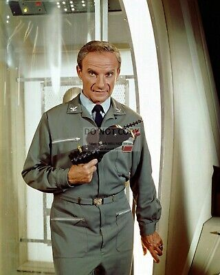 "JONATHAN HARRIS DR. ZACHARY SMITH ""LOST IN SPACE"" 8X10 PUBLICITY PHOTO (DA-578)"