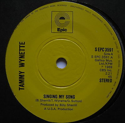 "TAMMY WYNETTE - Singing My Song - Excellent Condition 7"" Single Epic EPC 3591"