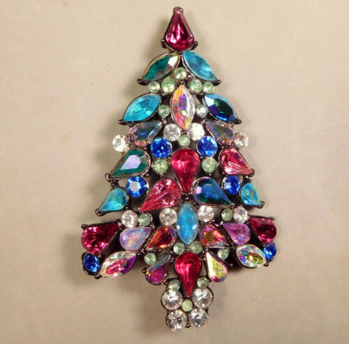 Gorgeous! 2006 Signed Avon 3rd Annual Christmas Tree Color Rhinestone Pin Brooch