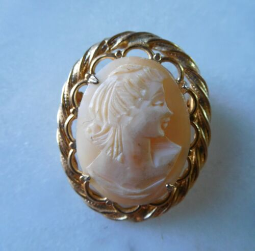 Sweet Vintage Hand Carved Shell Cameo Brooch