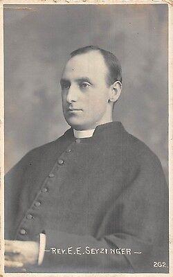 POSTCARD  RELIGION    Rev  E E  Seyzinger