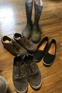 3 pairs of shoes and rubber boots