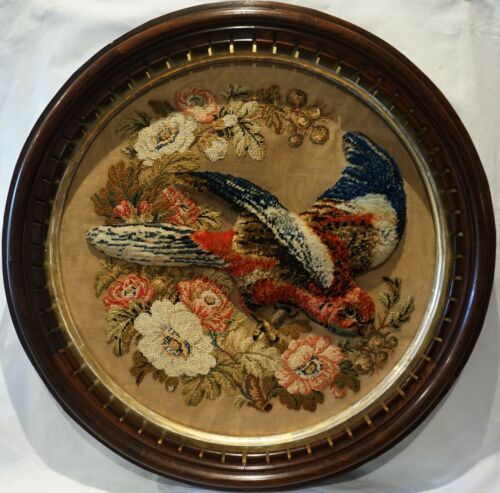 IMPRESSIVE MID 19TH CENTURY PLUSH WORK OF A PARROT ON A FLORAL GARLAND - c.1870