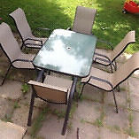 PATIO SET WITH SIX CHAIRS!