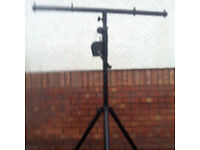 Winch up lighting stand