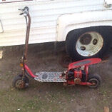 50cc gas scooter and a parts scooter $100 for it all