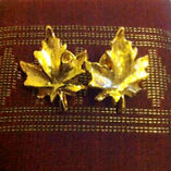 Hudson's bay La Baie d'Hudson Famous Maple Leaf Golden Pins