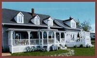 Maison ancestrale meublée avec revenus au Bic, Québec
