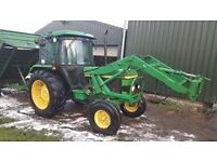 John DEERE 2650 Tractor - Two Wheel Drive with trailor