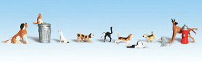 Woodland Scenics A1841 HO Scenic Accents Dogs and Cats Figures (Pack of 12)