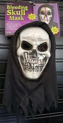 Halloween Mask Bleeding Skull Two Layer Fake Blood Flow Down Face Scary Effect - Cool Down Halloween