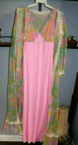 Vintage Retro Long Night Gown & Robe Pink 70