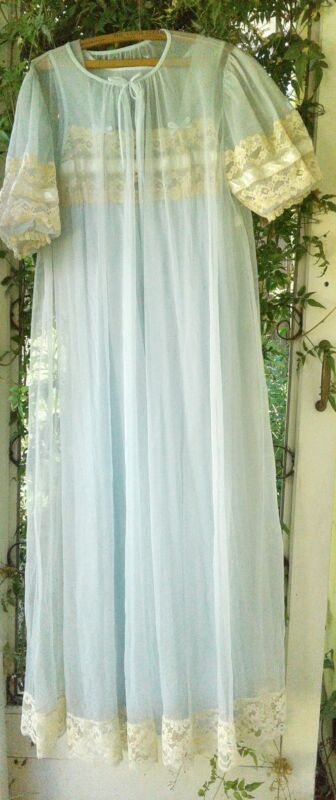 Vintage Blue Tosca Lingerie Peignor Set  Gown/Robe Sheer Lace Puff  Sleeve Small