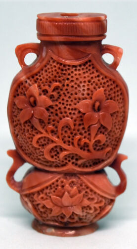 Exquisite Chinese Hand Carved Untreated/Undyed Floral Coral Snuff Bottle