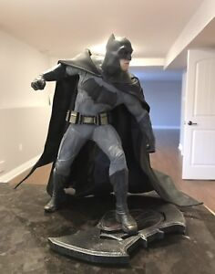 Batman DC Collectibles Statue - Like New!