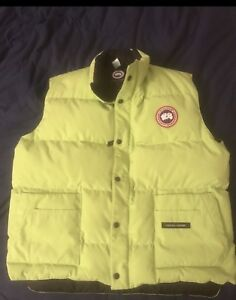 MENS LIMITED EDITION CANADA GOOSE VEST size XL