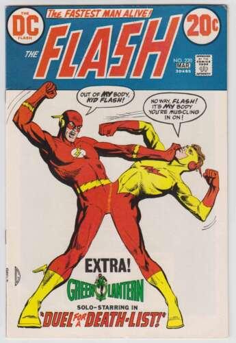 L9539: Flash #220, Vol 1, VF/VF+ Condition