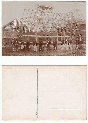 Berufe Zimmermänner bei Richtfest,building workers Architecture Foto RPPC c1915