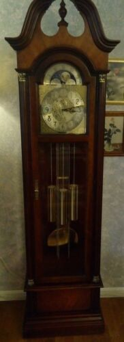 Howard Miller Grandfather Clock Cherry Wood w/Cherry Bordeaux Finish Rare