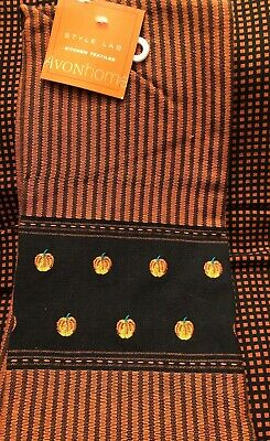Halloween kitchen towel, embroidered pumpkins on the bottom panel by Avonhome
