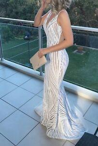 White Size 6 Formal Dress