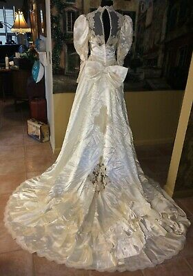 Vtg 80s Ivory Puff Victorian Ecru Lace Satin Cathedral Train   Wedding Gown -