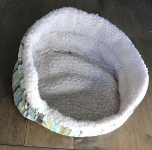 Dog / pet beds (free)