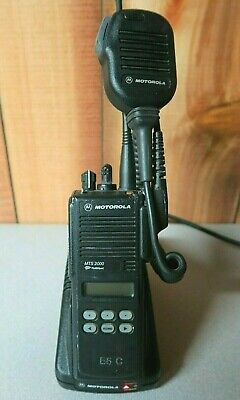 Motorola Mts2000 Model Ii 800 Mhz Radio H01ucf6pw1bn With Charger Microphone