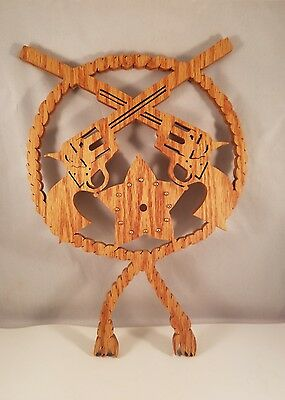 "FretWork Wall Art 2 Guns Texas Star Surounded By Rope 14"" Tall, 9"" Wide"