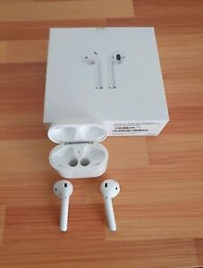 Apple AirPods (1st Gen)