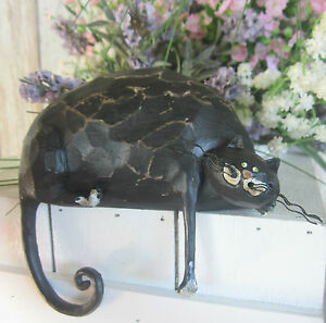 SHABBY FAT BLACK CAT – LEDGE EDGE LYING FELINE ANIMAL ORNAMENT