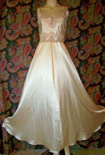 Vintage Linda Retro Exquisite Satin And Lace Nighty Nightgown 34-36