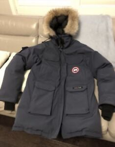canada goose expedition jacket buy new used goods near you find rh kijiji ca