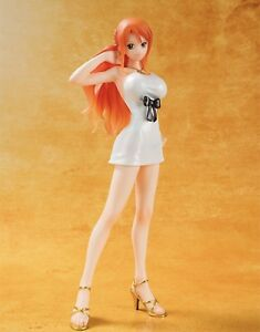 One Piece Film: Gold - Nami figurine (FIGUARTS)