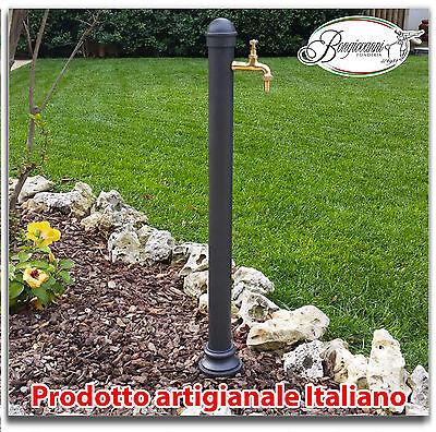 Fontana a colonna in ghisa e acciaio per casa giardino con rubinetto