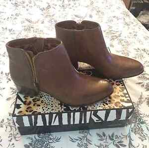 PRICED REDUCED!  Naturalizer Brown Leather Booties  BRAND NEW