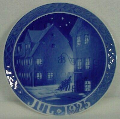 ROYAL COPENHAGEN company CHRISTMAS Plate 1925 - Christianshavn