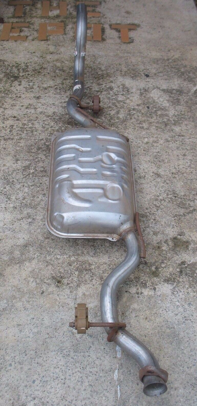 NEW Ford 2006 2007 Mercury Mountaineer Explorer Tail pipe / muffler 6l2z 5230 a