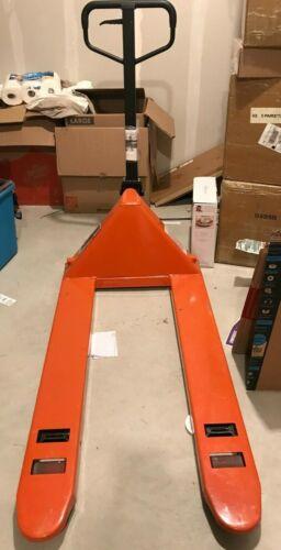 Haul Master Pallet Jack 2.5 Ton 3 Position Control Lever 5000 LB Capacity