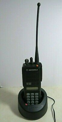 Motorola Mts2000 Model Iii Radio H01uch6pw1bn 806-869 Mhz With Charger