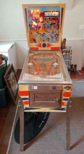 D. gottlieb & Co. King Pin Pinball Machine 1973