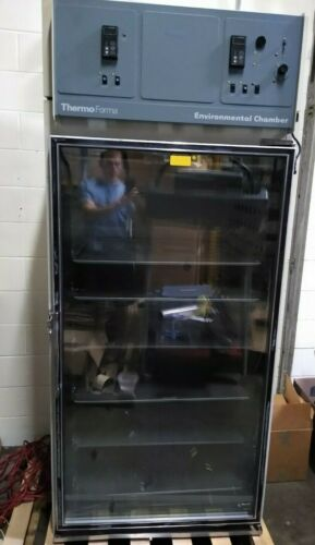 TESTED Large Thermo Forma 3940 Environmental Chamber 220V